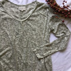 Thyme & Honey Marbled Gray Long Sleeve Top
